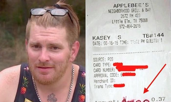 Waiter Gets Caught Off Guard By What Family Wrote On Their Receipt [VIDEO]