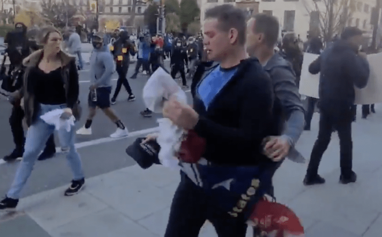 DC Police Blocked Off Trump Supporters and Forced Them to Walk Through BLM Mob