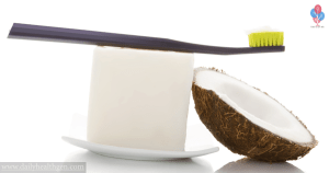 6 Reasons to Start Using Coconut Oil as Toothpaste