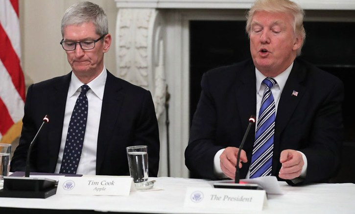 """President Trump Called CEO Of The Apple As """"Tim Apple"""""""