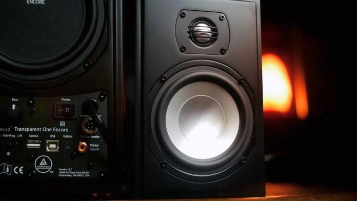 Vanatoo T1e Speakers