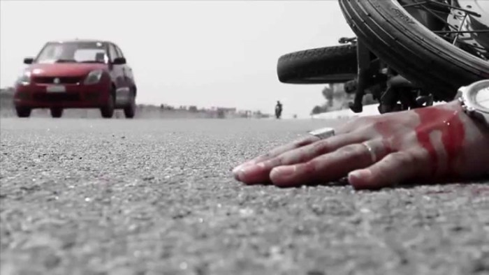 الگ الگ حادثات میں سیاح سمیت2ہلاک،7زخمی