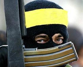 شوپیان میںانتخابی ڈیوٹی پر ماموربس پر جنگجوئوں کا حملہ