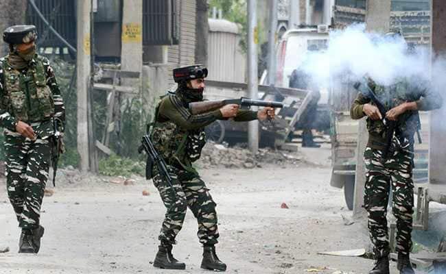 مہمند پورہ کولگام میں مسلح تصادم آرائی ، مکان زمین بوس ، جنگجوفرار