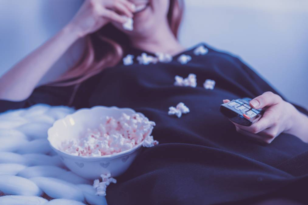 Late-night eating: pros and cons. Know the top 5 foods you can eat before going to sleep 1 - Daily Medicos