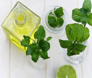 Nail biting causes Nail Fungus: 12 Natural Home Remedies to get rid of Nail Fungus 57 - Daily Medicos