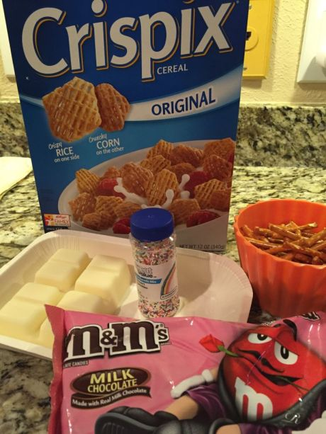 Valentine Snack Mix supplies #dailymomtivity