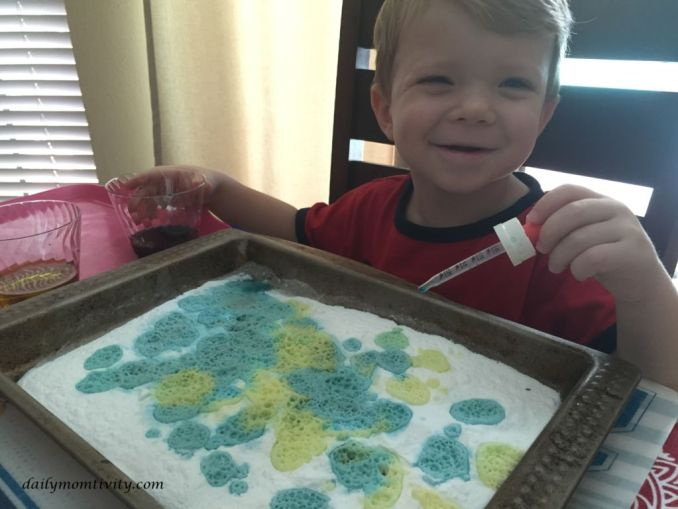 Baking Soda Vinegar Kid Activity