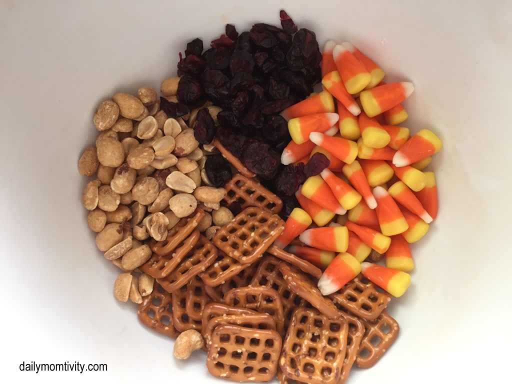 the perfect fall snack mix that you will love!