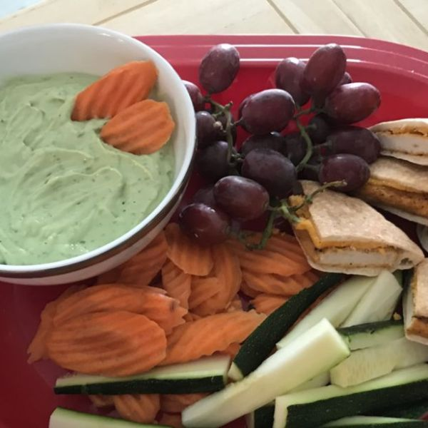 Healthy Avocado Ranch Dip
