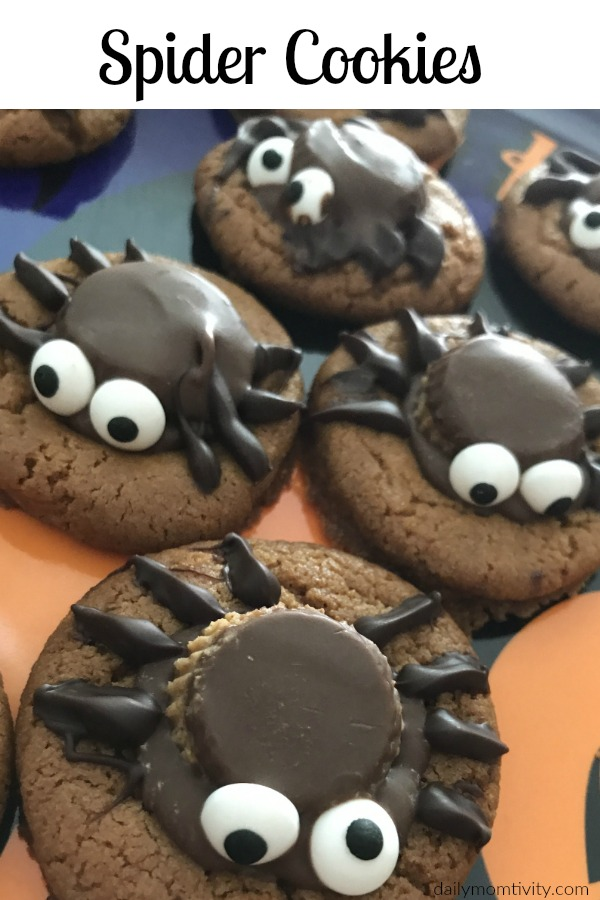 These spider cookies are perfect for Halloween!
