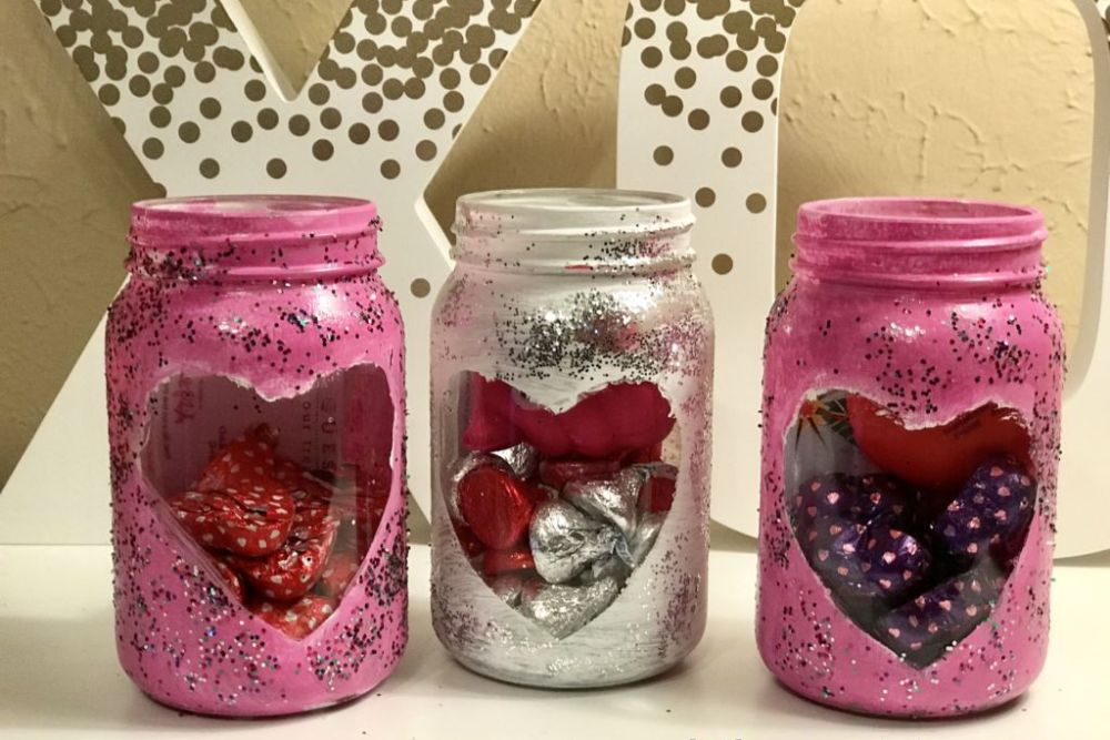 Painted Mason Jars: The Perfect DIY Valentine's Day Gift