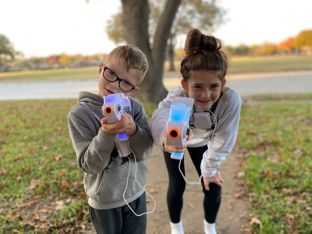 Laser X Revolution, the perfect activity for kids at home!