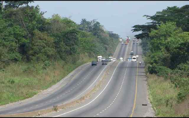Two policemen, driver travelling to pick sergeant corpse die in Kogi