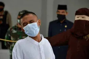 Two Christians publicly flogged in Indonesia for drinking, gambling