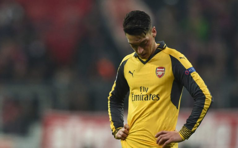 Ozil fitness heartens Wenger ahead of Burnley clash