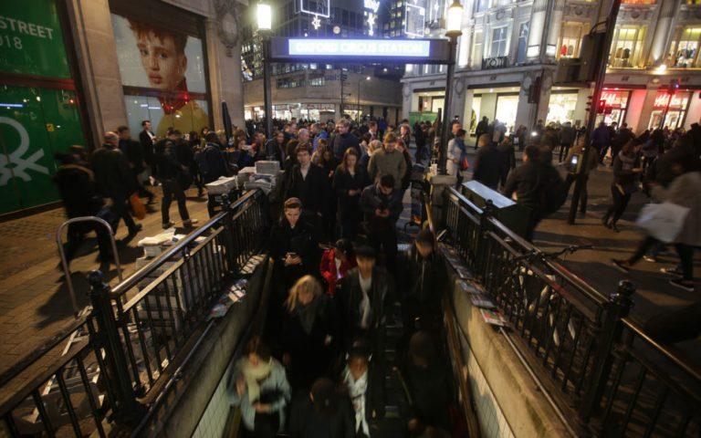 16 hurt fleeing false terror alert in London's Oxford Street