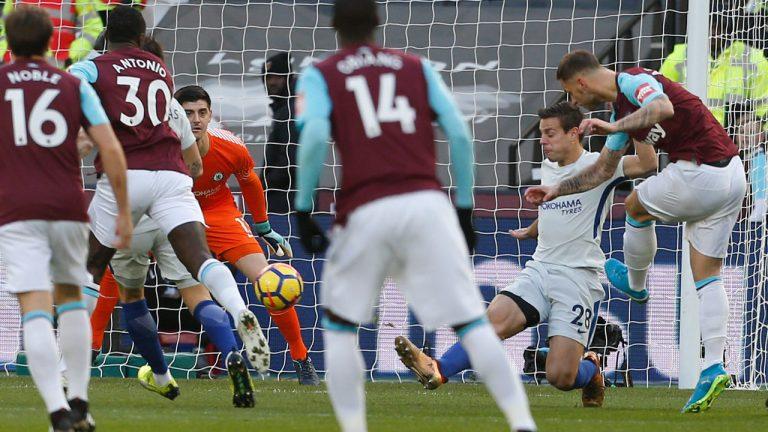 Arnautovic strikes Hammer blow to Chelsea title bid