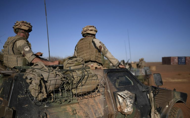 Three French soldiers wounded in Mali attack