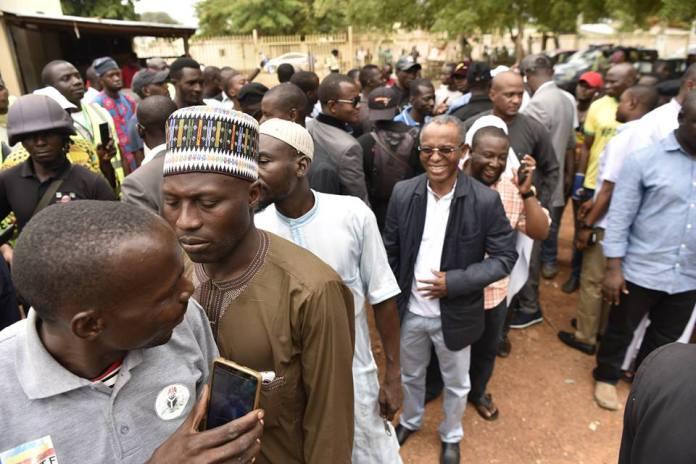 Voting in progress in Kaduna, with Govenor Nasir El-Rufai (in black jacket) on queue