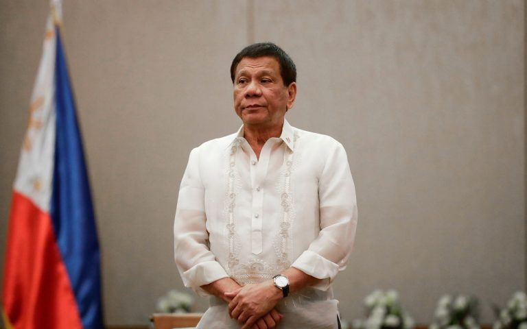 Philippines' Duterte apologises to Kuwait for 'harsh' words