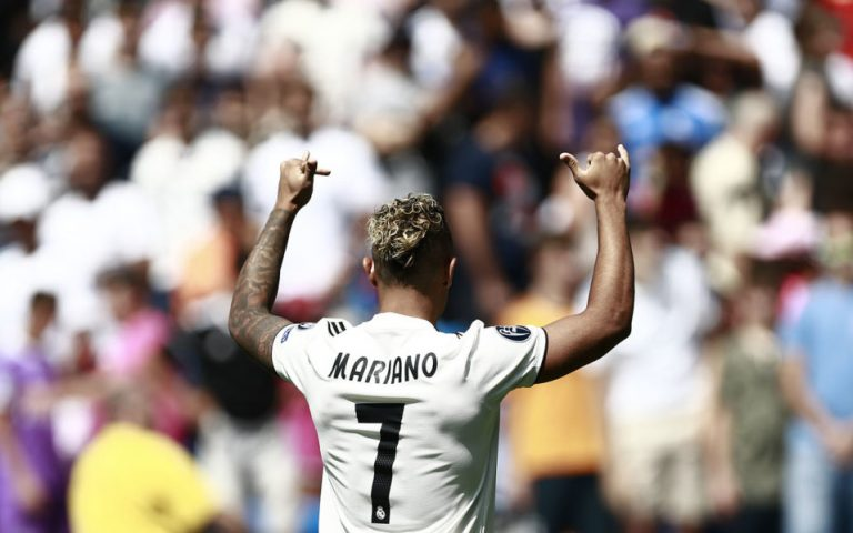 Real Madrid hand Ronaldo's number 7 shirt to Mariano Diaz