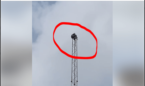 Man climbs mast, jumps to death in Ibadan on Saturday March 30, 2019