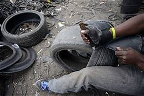 PHOTOS: Man uses condemned tyres for sculptures