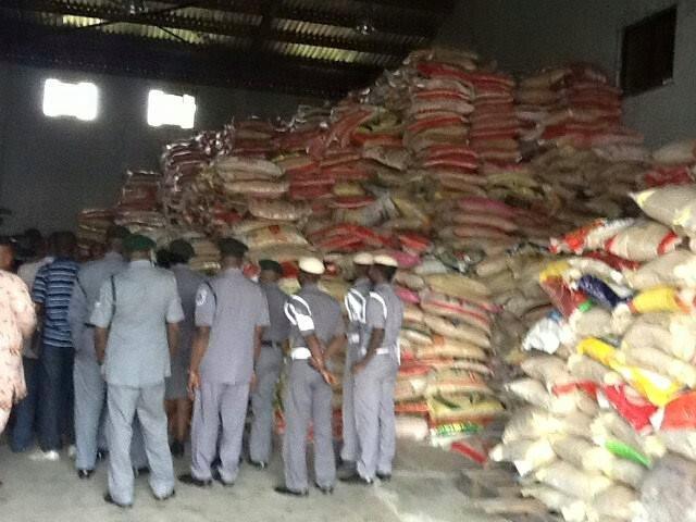 Nigerian Customs confiscate 4 truckloads of smuggled goods worth N176m in Kaduna