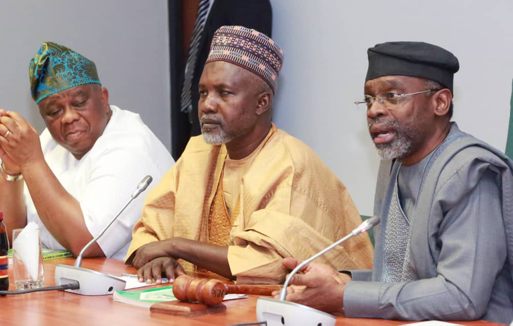 R-L, Speaker, House of Representatives, Rep. Femi Gbajabiamila, Chairman, House Committee on Healthcare Services, Rep. Tanko Yusuf Sununu & Deputy Chairman of the Committee, Rep. Samuel Babatunde Adejare, the Leadership of the House of Reps with representatives of the FCT resident Doctors at an emergency meeting over the ongoing strike by the FCT National Association of Resident Doctors, NARD, at the National Assembly on Tuesday 17th March,2020.