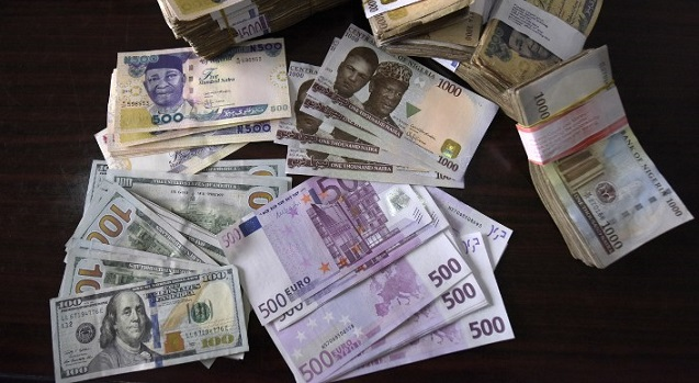 Naira loses against dollar at the parallel market
