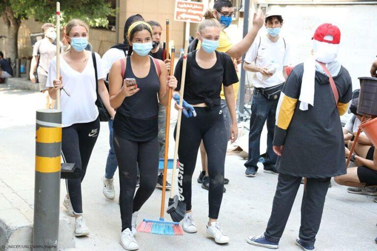 PHOTOS:Masked-up volunteers set to clean Beirut