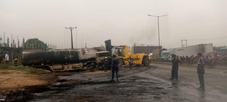 A picture of PMS tanker involved in an outbreak at Otedola Bridge on Saturday.