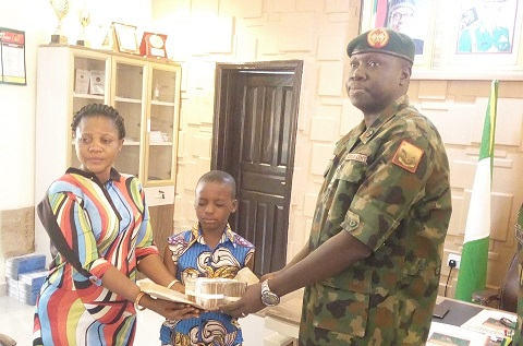 COVID-10: Tambuwal donates N1m to family of soldierwho died during lockdown