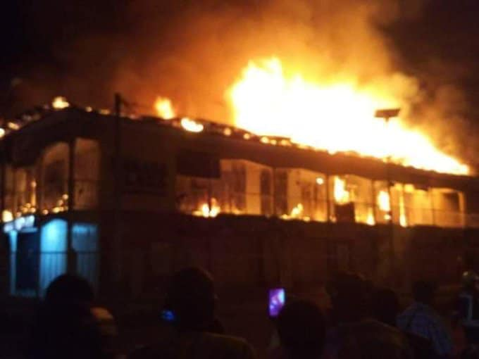 Bababa Shopping complex on fire