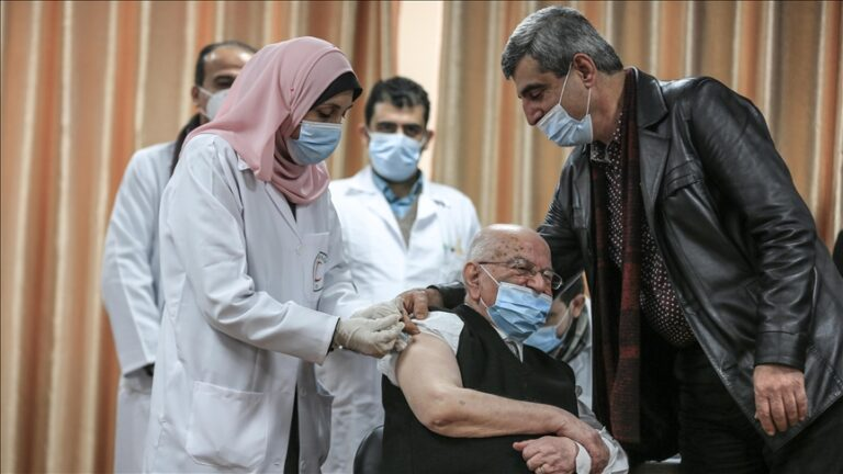 COVID-19: Gaza Strip's vaccination campaign begins using Russia's Sputnik V