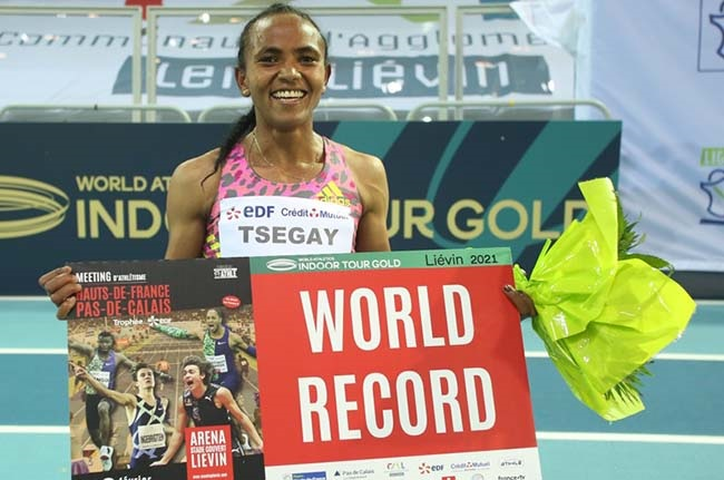 Ethiopian Tsegay breaks world indoor 1500m record
