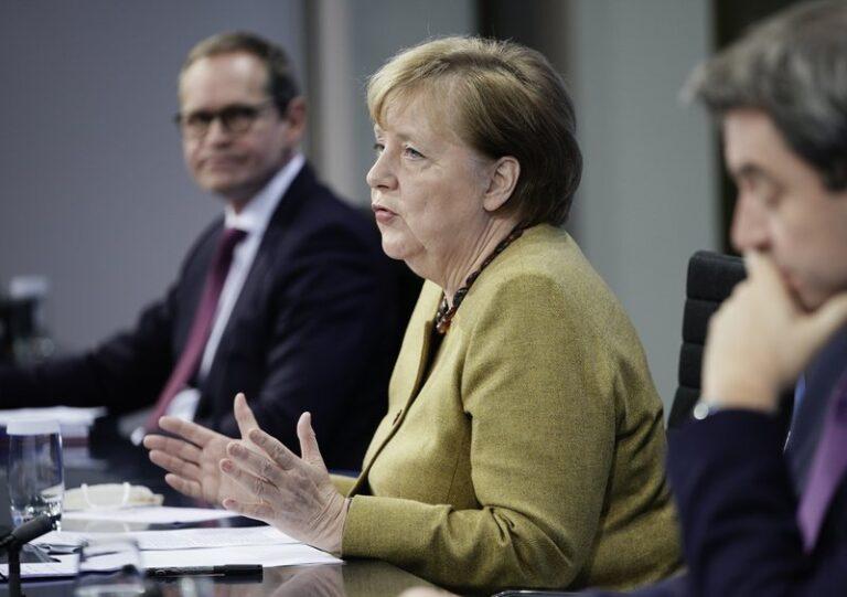Merkel meets with German state premiers to discuss lockdown extension