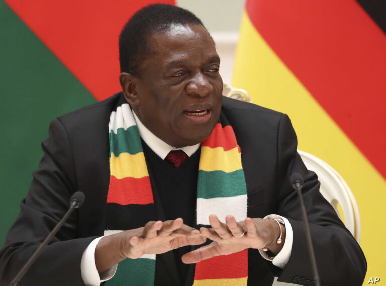 COVID-19: Zimbabwe sets deadline for frontline workers to get vaccinated