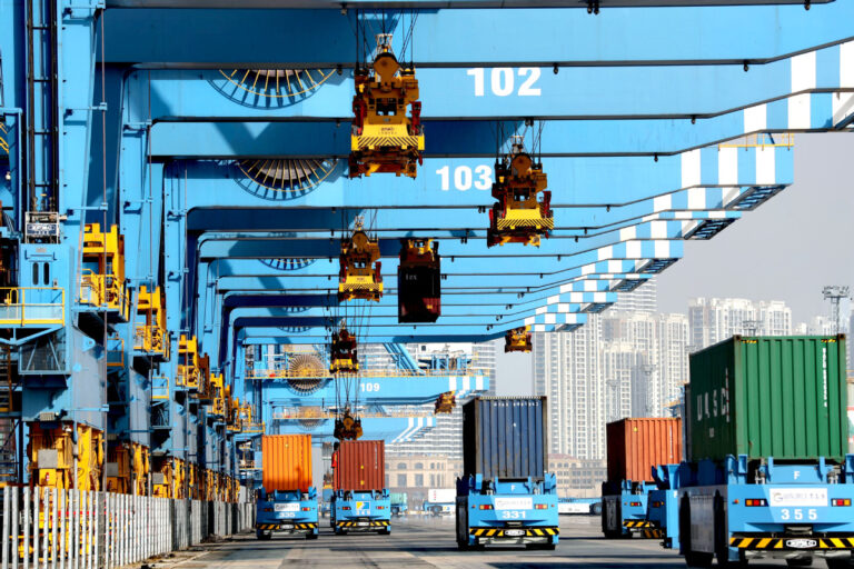 China's foreign trade rises to 28.5%