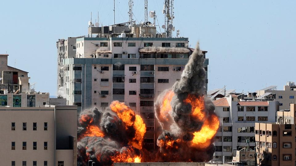 Media tower in Gaza attacked by Israeli Army