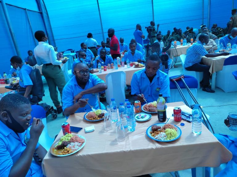Nigerian Army organises apecial luncheon for injured officers, assures them of treatment