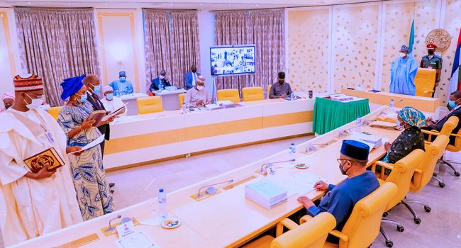 JUST IN: Buhari swears in 5 new Permanent Secretaries