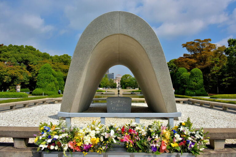 Hiroshima memorial: UN chief laments slow progress on nuclear-free goal