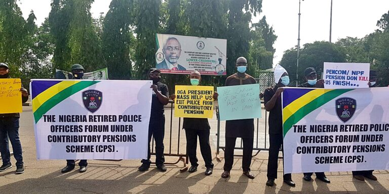 Retired policemen stage protest against contributory pension