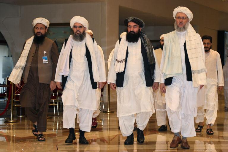 Taliban, UKofficials start talks on letting people leave Afghanistan