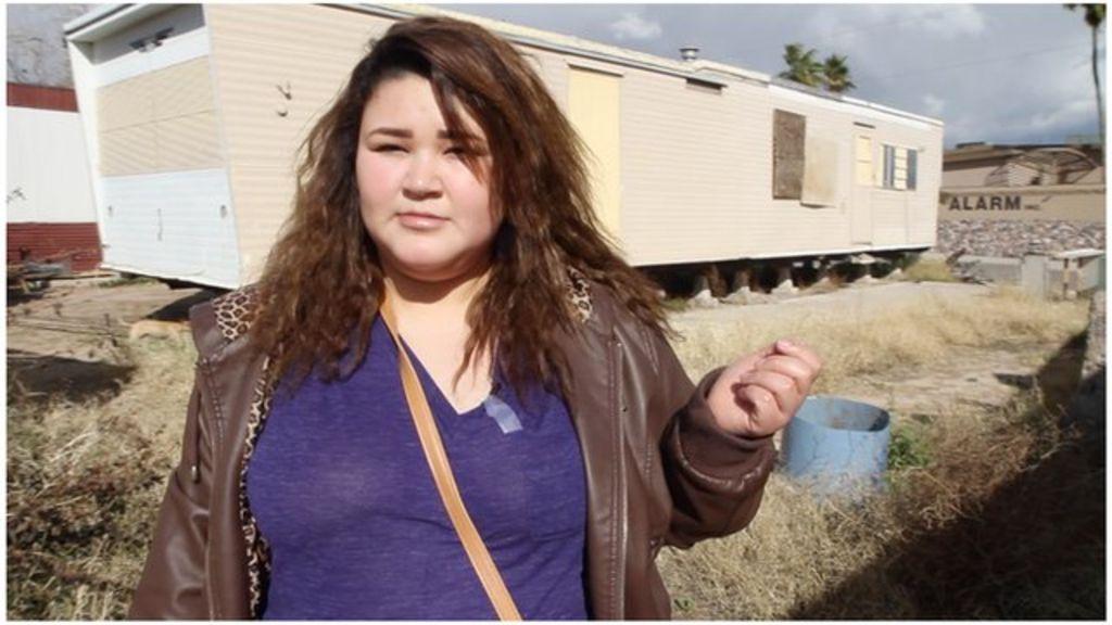 _80767755_trailergirl