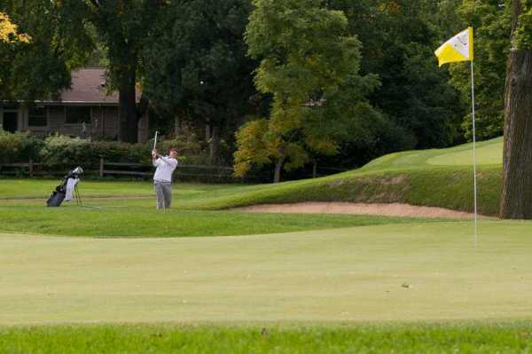 Men's Golf: Cats bounce back from bad first day to finish ...
