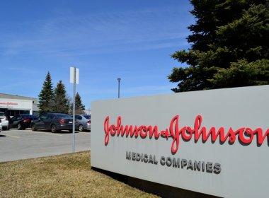 US FDA Recommends Johnson & Johnson's One-Shot Vaccine