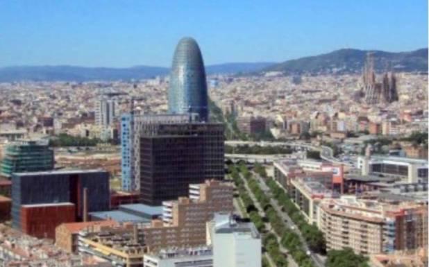 کورونا وائرس کی ویکسینیشن کے بعد کتنے لاکھ سیاح سپین کی سیاحت کر سکتے ہیں ؟ یورپی ملک میں سیاحتی انڈسٹری کے لیے بڑی خبر آگئی